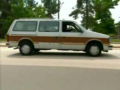 Tin's Dodge Caravan before pimping